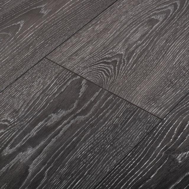 Kronotex mammut plus highland oak black laminate flooring for Mammut laminate flooring